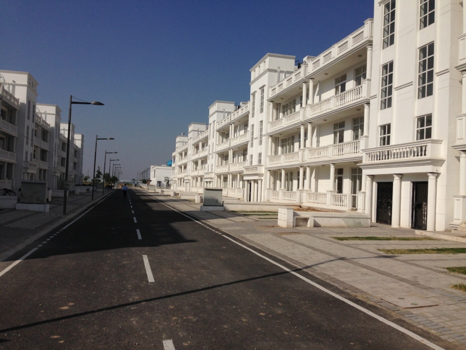 Dlf hyde park flats/floors new chandigarh